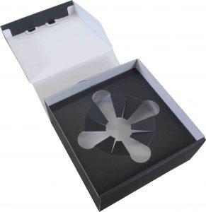 ダンボール 化粧箱 GF 薄板 黒色 中パット付 盃入 ギフト 箔押し 銀色 スタイリッシュ